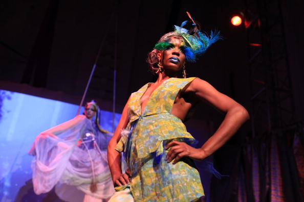 Stage - Performance Space「Runway Show Combines Mix Of Art And Fashion」:写真・画像(12)[壁紙.com]