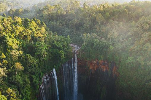 Carefree「Scenic aerial view of Tumpak Sewu waterfall on Java」:スマホ壁紙(2)