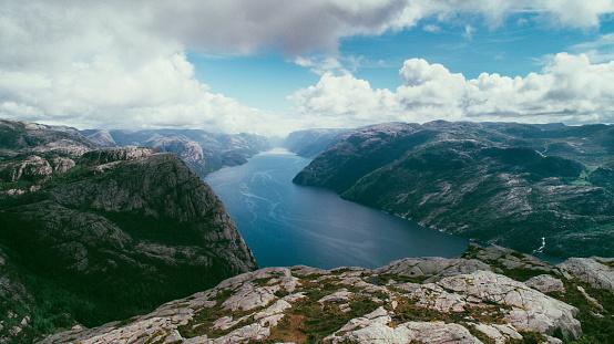 地球「Lysefjorden の風光明媚な空撮」:スマホ壁紙(10)
