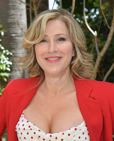 Cleavage - Breasts「The Associates For Breast And Prostate Cancer Studies' Mother's Day Luncheon - Arrivals」:写真・画像(16)[壁紙.com]