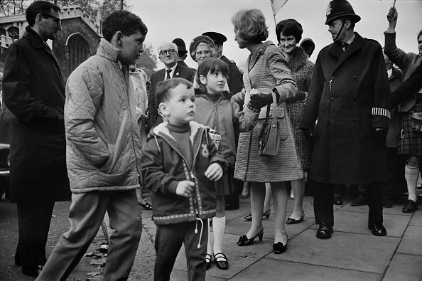 Sibling「Winnie Ewing Arrives In London」:写真・画像(15)[壁紙.com]