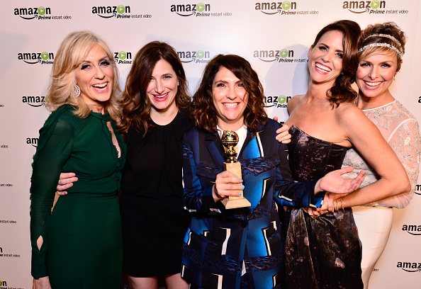 "Transparent「""Transparent"" Cast And Crew Golden Globes Viewing Party」:写真・画像(14)[壁紙.com]"