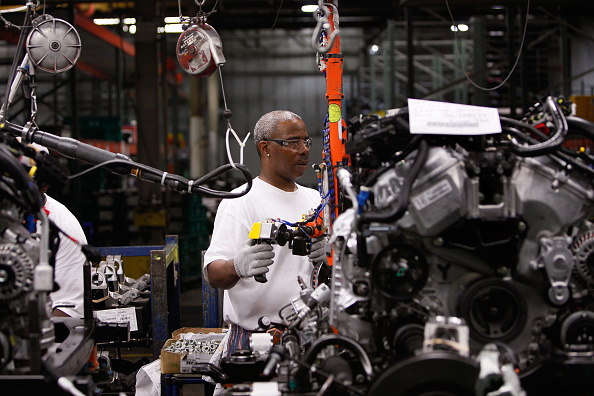 USA「Ford Debuts New Taurus, Made In Chicago Plant」:写真・画像(5)[壁紙.com]