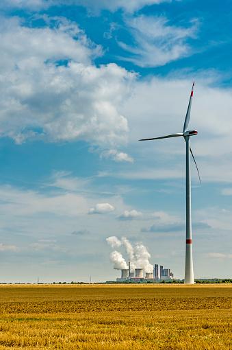 Grevenbroich「Germany, Grevenbroich, Neurath power station and wind turbine」:スマホ壁紙(4)
