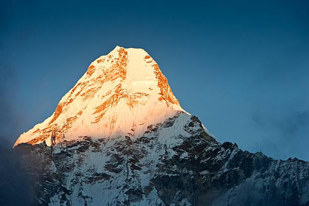 Himalayas panorama - mount Ama Dablam:スマホ壁紙(壁紙.com)