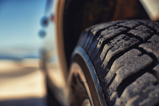 Pick-up Truck「These tyres eat up any terrain」:スマホ壁紙(4)