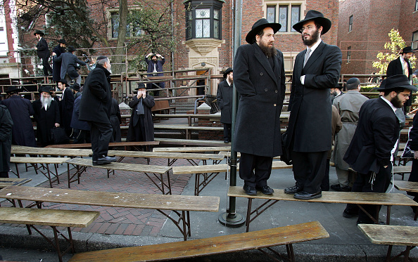 Bench「Religious Jewish Movement Holds Annual Conference」:写真・画像(18)[壁紙.com]