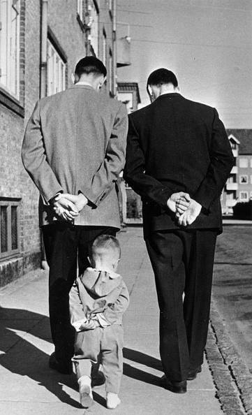 Hand「Like Father Like Son」:写真・画像(3)[壁紙.com]