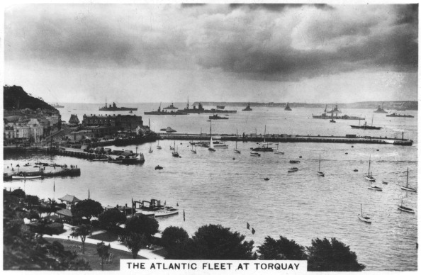 Overcast「The Atlantic fleet at Torquay, 1936.」:写真・画像(9)[壁紙.com]