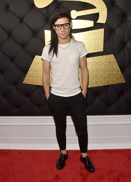 Gold Chain Necklace「The 59th GRAMMY Awards - Red Carpet」:写真・画像(18)[壁紙.com]