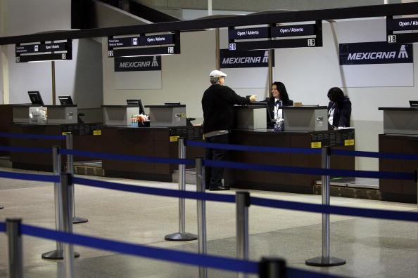 LAX Airport「Air Travel Passengers Arrive At Los Angeles Airport」:写真・画像(10)[壁紙.com]