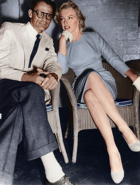 Concepts & Topics「Marilyn Monroe and Arthur Miller, just arrived in London, c1956-1957.  Artist: Unknown.」:写真・画像(1)[壁紙.com]