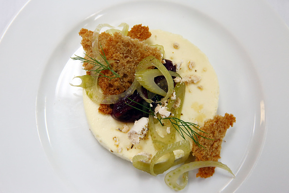 Fennel「Food Network & Cooking Channel New York City Wine & Food Festival Presented By Coca-Cola - Alain Ducasse Hosts A Celebration of Women in the Kitchen part of the Bank of America Dinner Series presented by The Wall Street Journal」:写真・画像(8)[壁紙.com]
