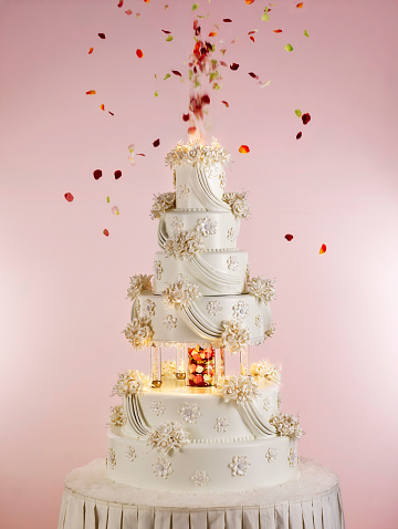 Figurine「Huge wedding cake」:スマホ壁紙(12)