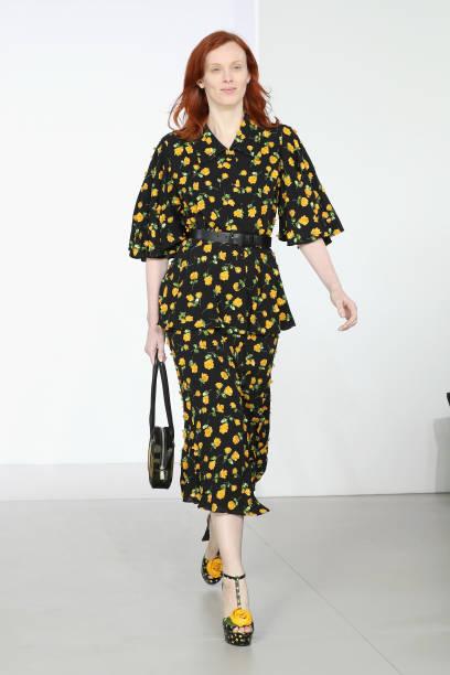 Midi Skirt「Michael Kors Collection Fall 2018 Runway Show」:写真・画像(9)[壁紙.com]