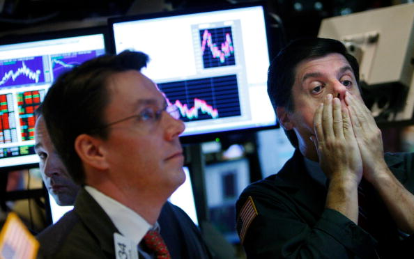 Fear「Dow Plunges Despite Fed Buyout Plan for Debt」:写真・画像(1)[壁紙.com]