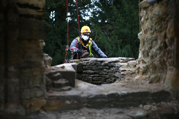 Rope Access Technician「Spring Cleaning Takes Place At English Heritage Properties Around The UK」:写真・画像(18)[壁紙.com]