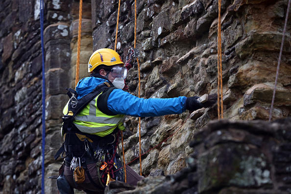 Rope Access Technician「Spring Cleaning Takes Place At English Heritage Properties Around The UK」:写真・画像(17)[壁紙.com]