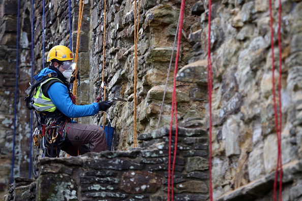 Rope Access Technician「Spring Cleaning Takes Place At English Heritage Properties Around The UK」:写真・画像(13)[壁紙.com]
