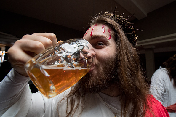 Alcohol - Drink「Jesus Easter Pub Crawl」:写真・画像(12)[壁紙.com]