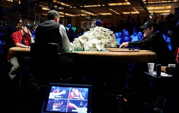 Table「World Series Of Poker - Final Table」:写真・画像(4)[壁紙.com]