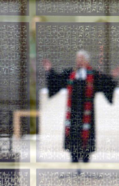 Religious Mass「Thousands Meet For  2nd Ecumenical Kirchentag」:写真・画像(12)[壁紙.com]