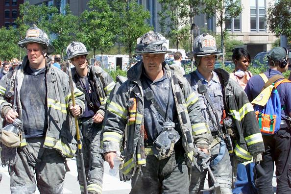 Emergency Services Occupation「New York City Firefighters - WTC Retrospective」:写真・画像(15)[壁紙.com]