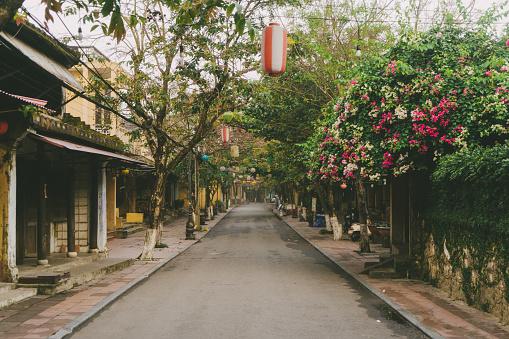 Chinese Lantern「Streets of Hoi An at  morning」:スマホ壁紙(10)