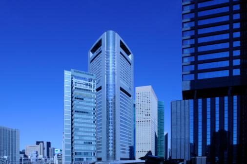 Shiodome「Modern buildings in Shiodome, Tokyo. Yurikamome, Shiodome Sio-site, Shinbashi, Minato-ku, Tokyo, Jap」:スマホ壁紙(17)
