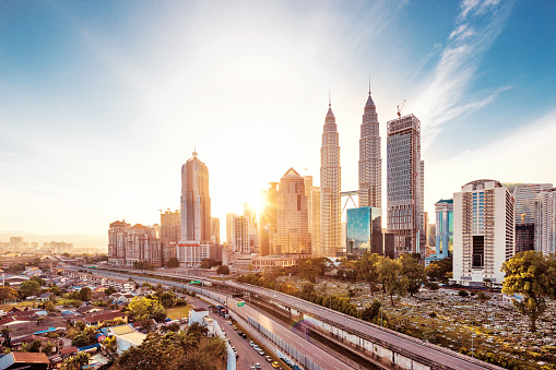 Kuala Lumpur「modern buildings in midtown of modern city」:スマホ壁紙(9)