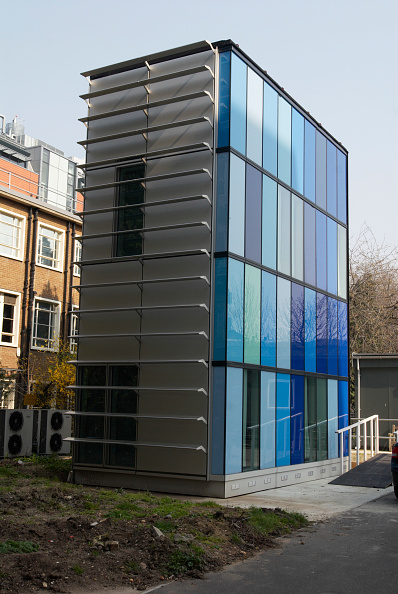 Metal「Modern building, part of the Royal London Hospital, London, UK」:写真・画像(9)[壁紙.com]