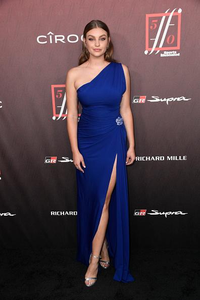 Thigh High Slit「Sports Illustrated Fashionable 50 - Arrivals」:写真・画像(19)[壁紙.com]