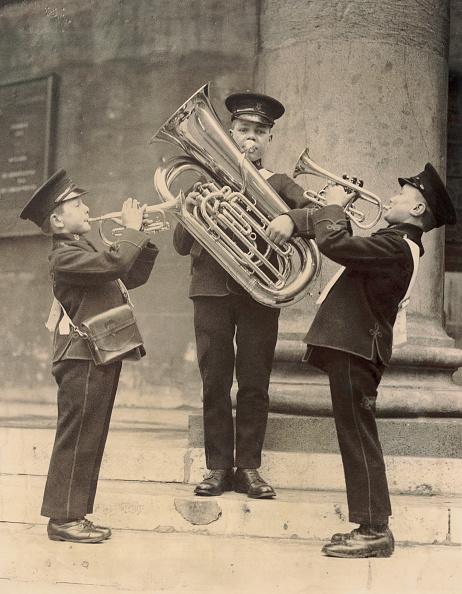 Musical instrument「Three children of a school band」:写真・画像(4)[壁紙.com]