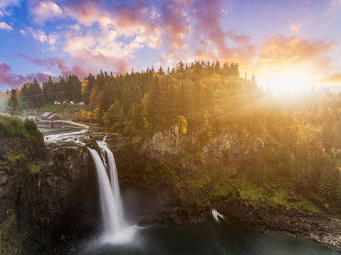 Famous Place「Snoqualmie Falls in fall」:スマホ壁紙(17)