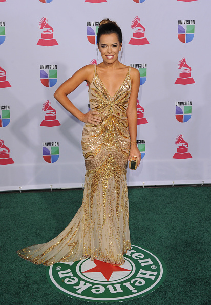 Gold Purse「The 13th Annual Latin GRAMMY Awards - Arrivals」:写真・画像(5)[壁紙.com]