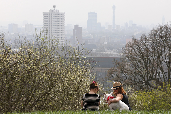 Overcast「Warnings Are Given On Air Pollution Levels Across The UK」:写真・画像(1)[壁紙.com]