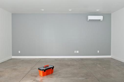 Concrete「Empty Converted Garage」:スマホ壁紙(2)