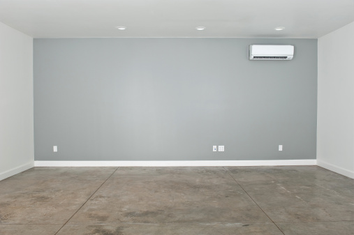 Concrete「Empty Converted Garage」:スマホ壁紙(11)
