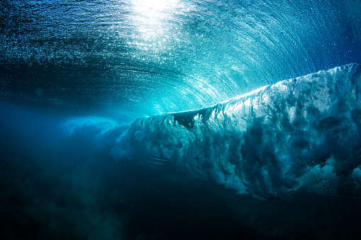 Hawaii Islands「Underwater view of a wave breaking, Hawaii, America, USA」:スマホ壁紙(13)