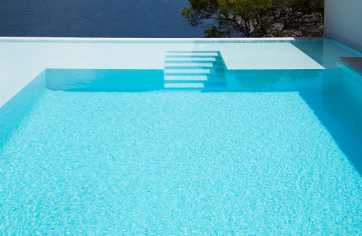 Infinity Pool「Underwater steps in infinity pool」:スマホ壁紙(6)