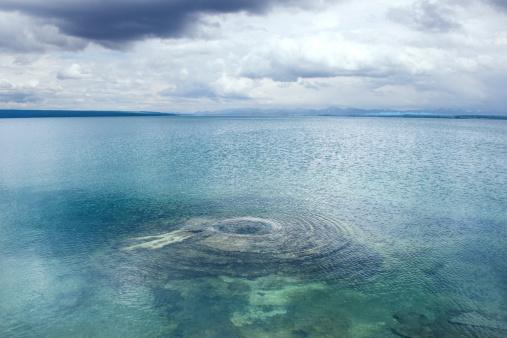 温泉「Underwater geyser, Yellowstone National Park」:スマホ壁紙(4)