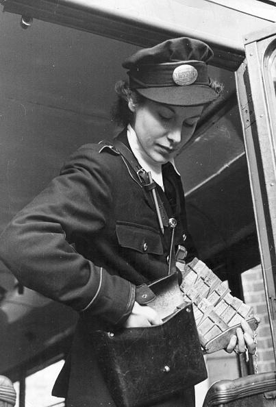 Women's Forces「Trainee Bus Conductress」:写真・画像(13)[壁紙.com]