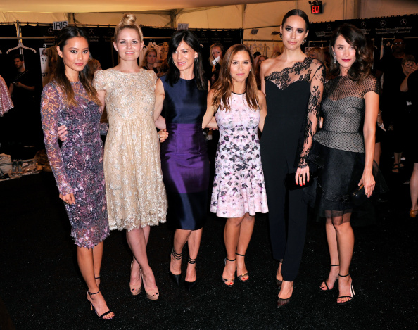 Jamie Spencer「Monique Lhuillier - Backstage - Mercedes-Benz Fashion Week Spring 2015」:写真・画像(9)[壁紙.com]