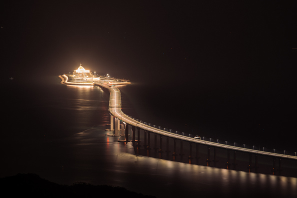 Bestpix「World's Longest Sea Bridge Opens Between Hong Kong and China」:写真・画像(13)[壁紙.com]