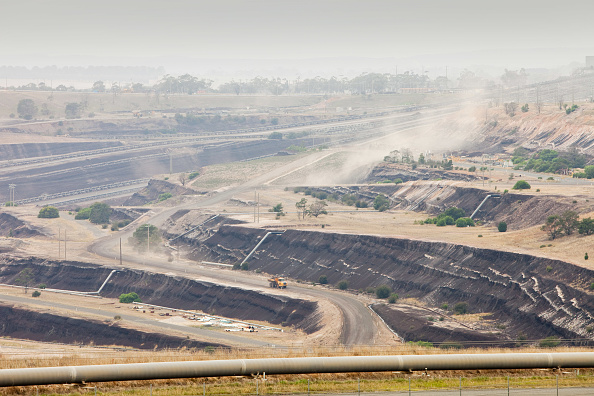 Open-pit Mine「An open cast coal mine in the Latrobe Valley which has massive coal reserves close to the surface. The industry is responsible for destruction of the landscape as well as fueling climate change. Around 85% of all Australia's power comes from coal, to pow」:写真・画像(5)[壁紙.com]
