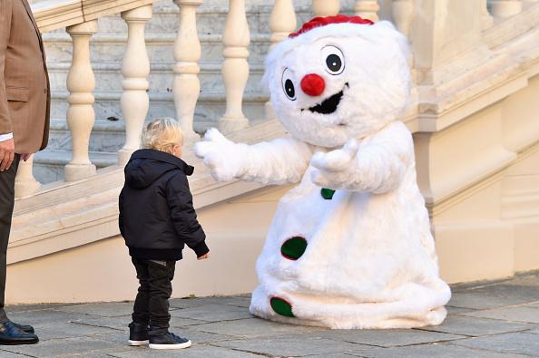 雪だるま「Christmas Gifts Distribution At Monaco Palace in Monte-Carlo」:写真・画像(0)[壁紙.com]