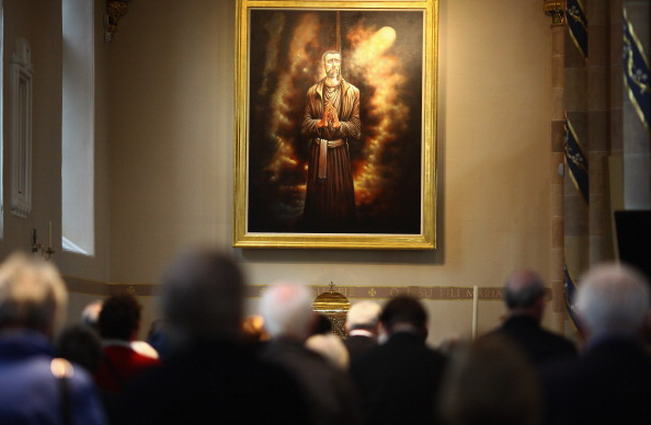 Glasgow - Scotland「Mass Is Held At Newly Renovated St. Andrew's Metropolitan Cathedral In Glasgow」:写真・画像(17)[壁紙.com]