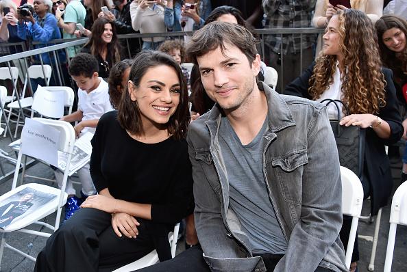 Ashton Kutcher「Zoe Saldana Star on Walk of Fame Ceremony」:写真・画像(0)[壁紙.com]