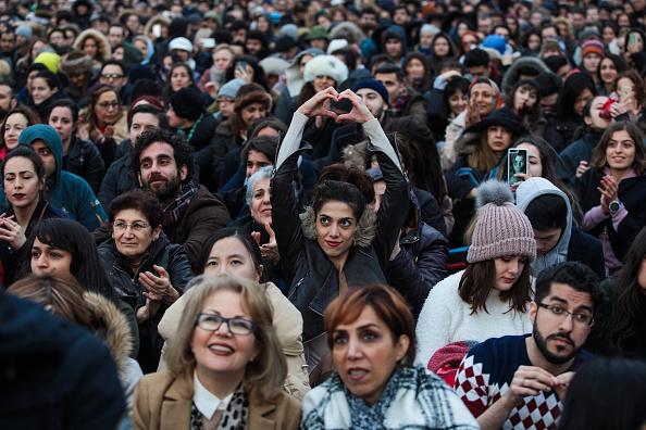 Hand「Iranian Film The Salesman Is Shown In Trafalgar Square On Oscar Night」:写真・画像(16)[壁紙.com]