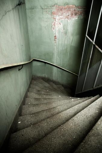 Basement「Gloomy stairway」:スマホ壁紙(0)